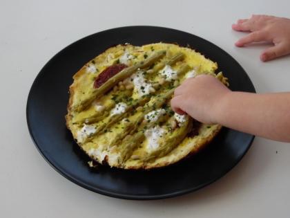 Omelette asperges-tomates séchées-feta