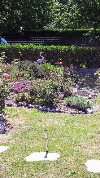 Joli jardin bungalow permanent