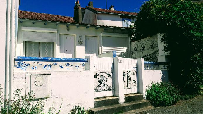 Maison avec fresques